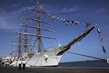 Argentina: la encrucijada del buque, la deuda y los fondos buitre