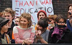 Inglaterra: las universidades en riesgo