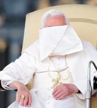 vaticano papa avergonzado