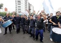 arg protesta policias