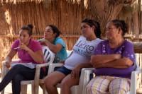 Un grupo de mujeres cucapah, en el ejido Indiviso, en la Comunidad Indígena Cucapah El Mayor, en el estado mexicano de Baja California,
