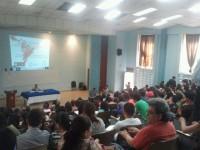 Ante estudiantes de Universidad de El Salvador
