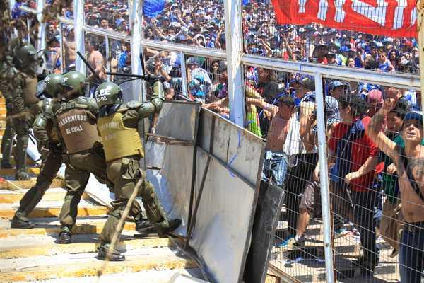 Resultado de imagen para agresiones de las barras EN CHILE